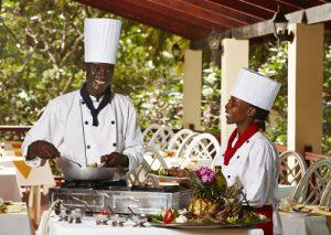 Neptune Beach Resort - Beach chef and restaurant